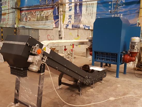 Двухвальный шредер 2.15.700 для измельчения радиоактивно-загрязненных полимерных  отходов. г. Димитровград